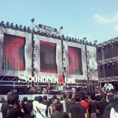 Endank Soekamti at the A Stage